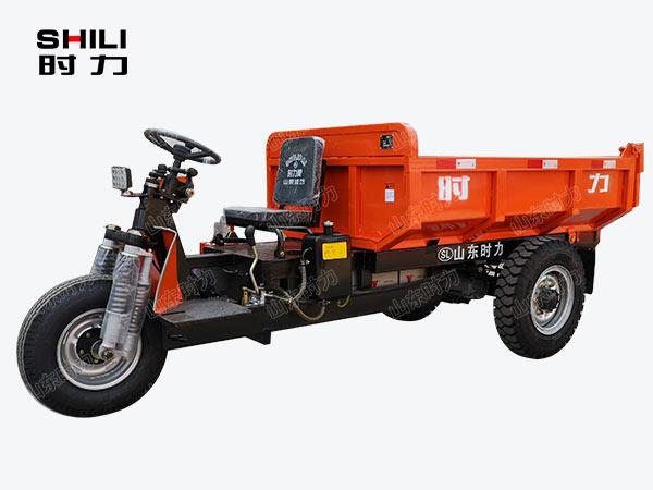 2吨矿用电动三轮车前侧面