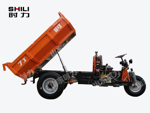 3吨矿用电动三轮车侧面图