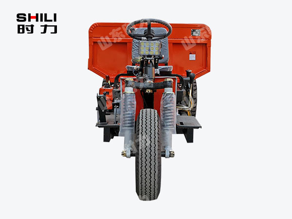 3吨矿用电动三轮车正面图