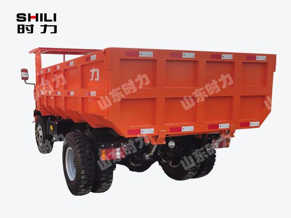 8吨矿用四不像车后侧面图