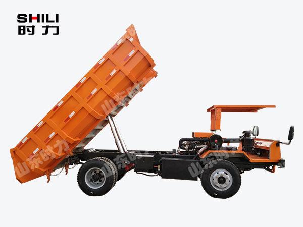 侧驾8吨矿用四不像车侧面